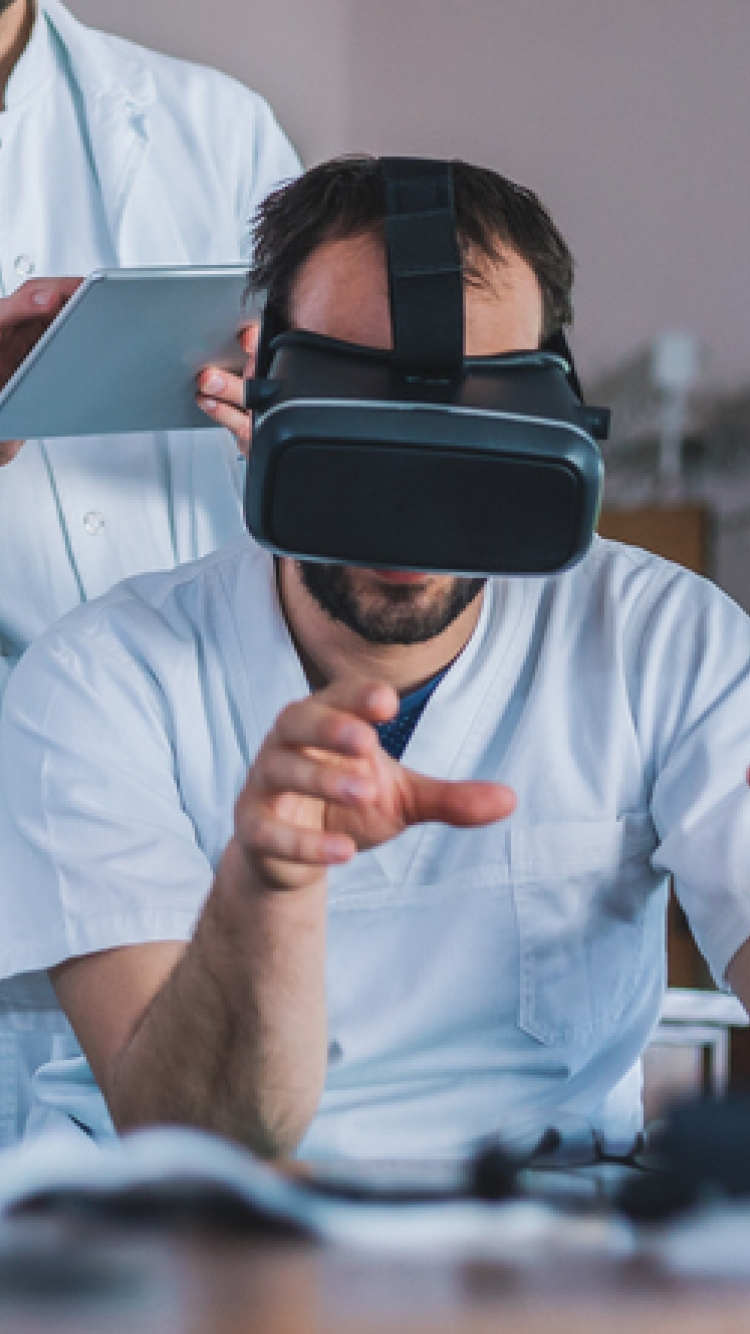 Medical researchers using virtual reality for learning