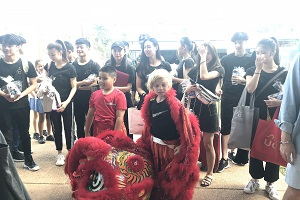 Welcome dragon dance by Essington School students