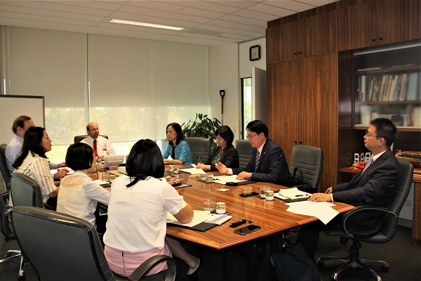 Confucius Institute Headquarters Delegation meeting with the VC Professor Simon Maddocks and DVC Mr Andrew Everett of Charles Darwin University