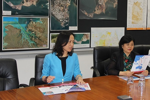 Confucius Institute Headquarters Deputy Chief Executive Dr Wei Jing and Director of Division of American and Oceanian Confucius Institute Ms Jiaoyang Guo