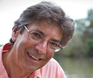 World-renowned Charles Darwin specialist Professor Tim Berra will return to the Territory this month to deliver two seminars