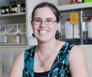 Dr Sheryl Maher has been awarded the prestigious 2013 Young Tall Poppy for the Northern Territory