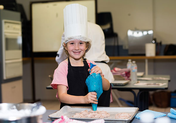 Gemma Hinds at the Kids in the Kitchen class