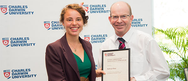 Vice-Chancellor Professor Simon Maddocks thanks Kathryn Ezzy for her work as a student ambassador