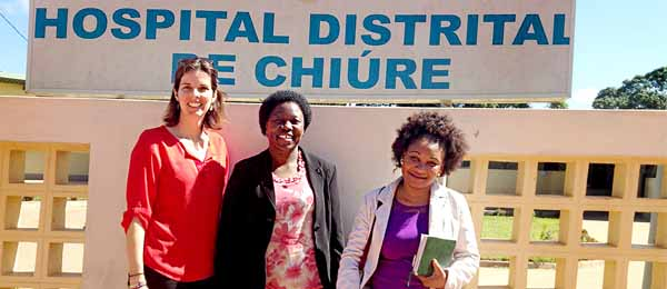 Dr Karen Hobday with Dra Páscoa Zualo Wate, co-author and lead investigator for the research in Mozambique and local nurse Celma Nhussi