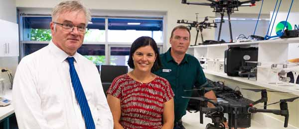 CDU Interim Vice-Chancellor Professor Mike Wilson, Minister for Health Natasha Fyles and CDU project lead Dr Hamish Campbell