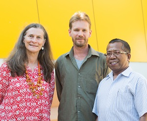 From left: Dr Penny Wurm, research officer Rohan Fisher and Australia Award Scholarship recipient, Pak Kristianus Hale Berek