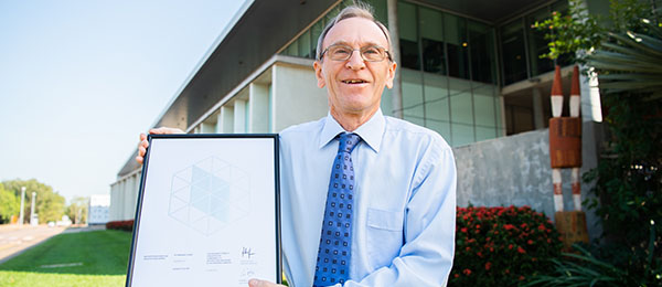 Ken Suter has taken home the President's Award in the 2021 NT Architecture Awards.