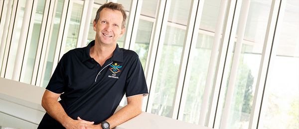 Adjunct Senior Lecturer Paul Bell is working with the National Critical Care and Trauma Response Centre to develop new aeromedical courses