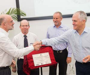 Menzies School of Health Research Director Professor Alan Cass, Charles Darwin University Vice-Chancellor Professor Simon Maddocks, Northern Territory Minister for Health John Elferink and the Honourable Malcolm Turnbull, MP, Prime Minister of Australia