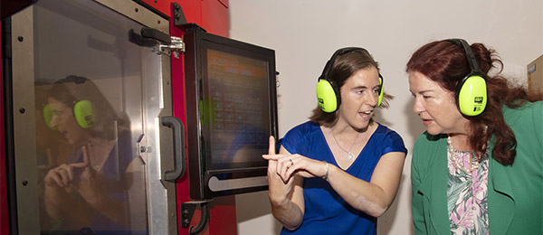Dr Rebecca Murray demonstrates the SPEE3D printer to Defence Industry Minister Melissa Price