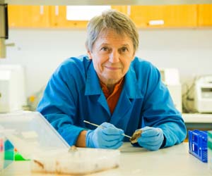 A zoologist for more than 40 years, Professor Christian became interested in the microbiological phenomenon while pursuing a hobby with his son at Kalkarindji