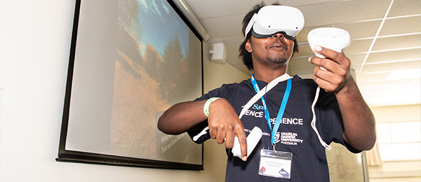 Students from Elcho Island experienced virtual reality technology at CDU's College of Engineering, IT and Environment.