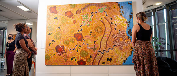 Tamarra and Warrwa (Termite Mound and Spinifex) courtesy of Karungkarni Art and Culture Aboriginal Corporation.