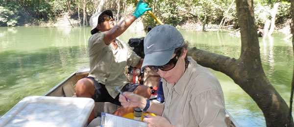 CDU Researcher Dr Miriam Kaestli and DENR's Mr Matthew Majid taking water samples in Darwin Harbour. The proposed Water in Northern Australia CRC will address water issues, including quality, security and new technologies