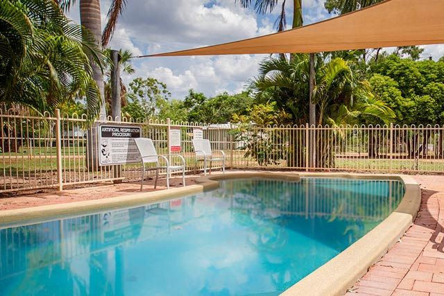 On campus accommodation at katherine campus charles darwin university for Melbourne university swimming pool