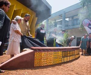 A bench seat featuring the artwork of Midpul (aka Prince of Wales) has been unveiled during a ceremony with local Larrakia Elders